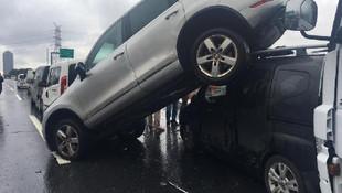 TEM'de feci kaza ! 7 araç birbirine girdi