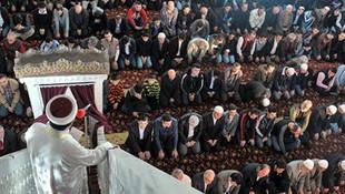 Cuma hutbesinde yine Atatürk'e yer yok!