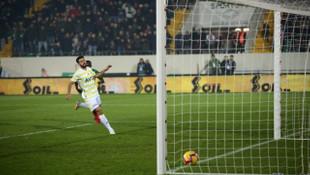 Galatasaray'ın eski yıldızları Melo ve Podolski, Fenerbahçe'yle dalga geçti