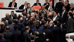TBMM'de milletvekilleri birbirine girdi