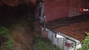 Beşiktaş'ta toprak kayması ! Bir evde maddi hasar var