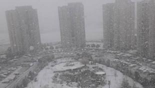 İstanbul'da kar yağışı başladı; işte mevsimin ilk karından fotoğraflar