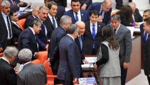 Bahçeli HDP'li Buldan'ın elini sıktı, İYİ Parti ayağa kalktı