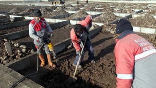 ''Kara kış'' gelmeden mezar yerleri açıldı