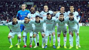 Beşiktaş taraftarı Vagner Love ve Oğuzhan Özyakup'u ıslıkladı