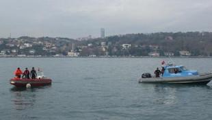 İstanbul'da bir otomobil boğaza uçtu