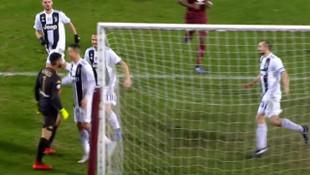 Ronaldo'nun Torino kalecisine yaptığı hareket geceye damga vurdu!