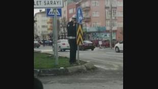 Pusu kuran trafik polisi olay oldu
