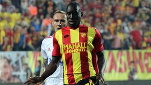 Demba Ba, Galatasaray'la anlaştı
