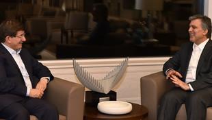 Abdullah Gül ile Ahmet Davutoğlu'na FETÖ operasyonu mu geliyor ?