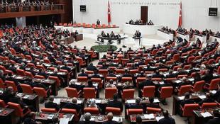 TBMM'de ''Ne Mutlu Türk'üm diyene'' tartışması