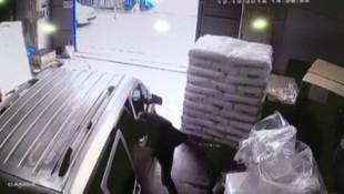 İç çamaşırı hırsızları yakalandı