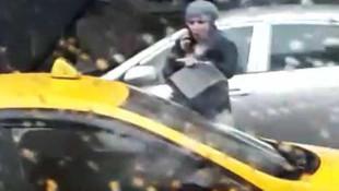 Taksici ile vatandaş arasında kısa mesafe kavgası