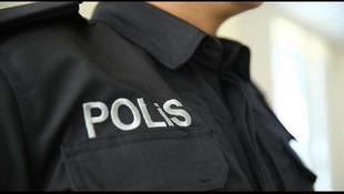 İki polis hastanede doktor ve hastaları rehin aldı