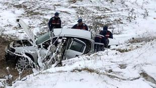 Otomobil şarampole uçtu: 3 ölü