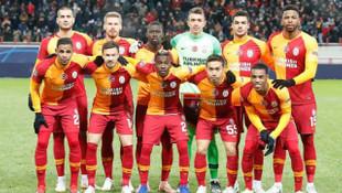 Galatasaray'da Serdar Aziz ve Eren Derdiyok ile yollarını ayırıyor