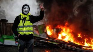 Fransa akaryakıt zamlarını iptal etti