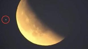 NASA'nın canlı yayınına takılan görüntü ortalığı karıştırdı