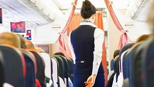 Yolcu uçaklarında görevli hostesler isyanda
