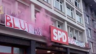 Almanya'da PKK yandaşları yine azıttı !