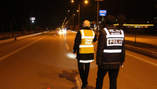 Polis gibi yolu kapatıp uygulama yaptılar !