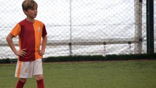 10 yaşındaki minik futbolcu Galatasaray'da !