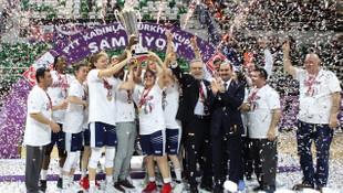 Türkiye Kupası şampiyonu Yakın Doğu Üniversitesi