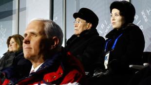Tarihi an K.Kore lideri Kim'in kardeşi ile yan yana...