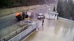 Patron çıldırdı ! Araçları forkliftle yola fırlattı