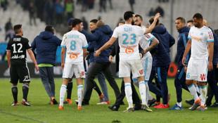 Marsilya - Lyon maçında olay çıktı !