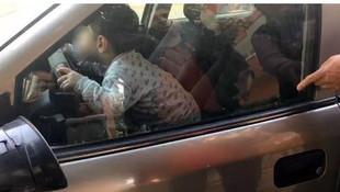2 yaşındaki çocuk kendini kilitledi !