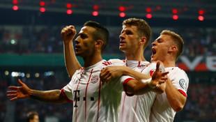 Bayern Münih Leverkusen'e gol yağdırdı ! Finaldeler...
