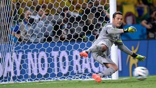 Efsane kaleci Julio Cesar futbol kariyerini bitirdi !