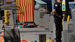 Toronto'da minibüs yayaların arasına daldı: 10 ölü, 15 yaralı