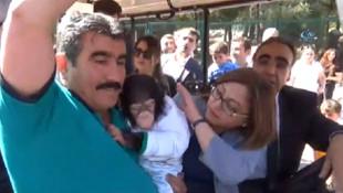 AK Partili Fatma Şahin'in zor anları
