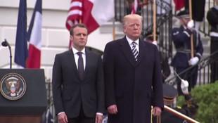 Trump, Macron'u Beyaz Saray'da törenle karşıladı