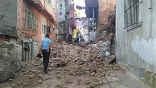 İstanbul'da metruk binada çökme