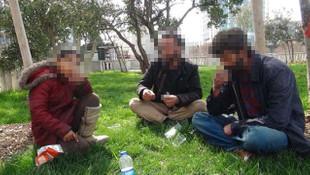Taksim'de Suriyeli dilencilerin içki alemi kamerada