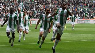 Konya'da müthiş maç ! 5 gol 1 kırmızı kart...