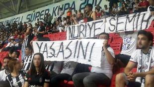 Nuriye Gülmen ve Semih Özakça pankartına beraat
