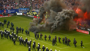 Olaylı maçın ardından Hamburg küme düştü !