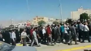 İran'da sokaklar karıştı ! Ölü ve yaralılar var