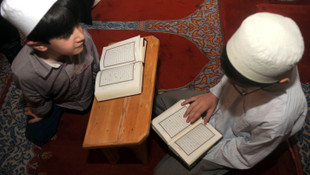 Kur'an-ı Kerim hakkında suç duyurusunda bulundu !