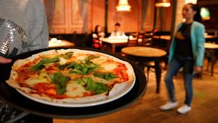 2 pizza için 78.5 milyon dolardan oldu