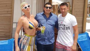 Tosic ve ailesinin Antalya keyfi