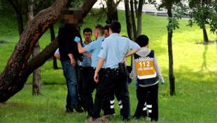 Taksim'de ağaca asılı ceset şoku