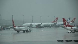 Atatürk Havalimanı'nda uçaklar kıpırdayamıyor !