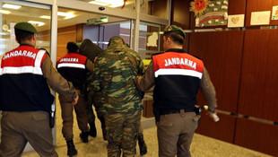 Tutuklu 2 Yunan askeri için ilginç karar