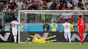İngiltere Tunus'u son dakikada yıktı !