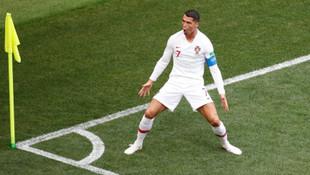 Ronaldo Portekiz'i sırtlıyor !